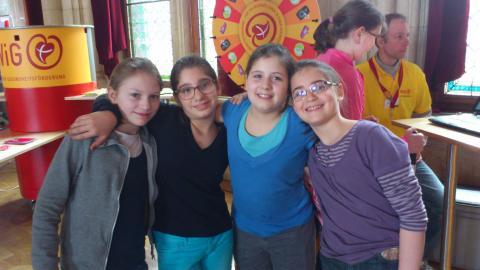 vier liebe 1C-Schülerinnen